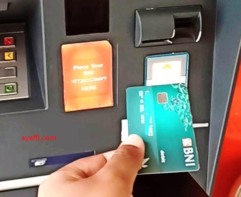 Cara Mengambil Uang Di Atm Dari Berbagai Bank Bahkan Tanpa Kartu Bisa Ambil Uang Lho
