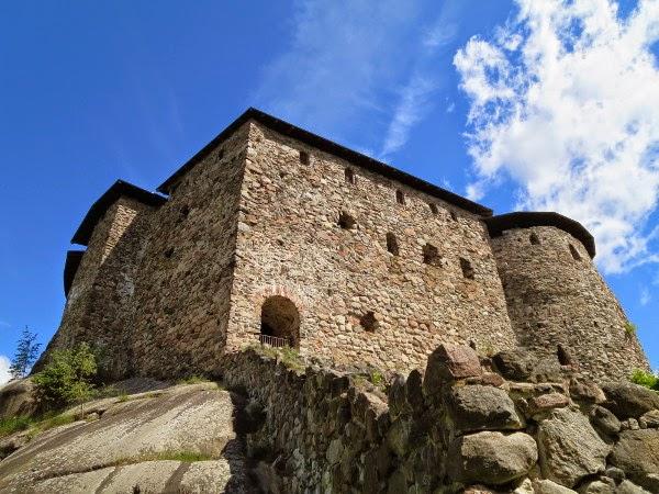 ruins 1300-luku kivilinnat Suomessa
