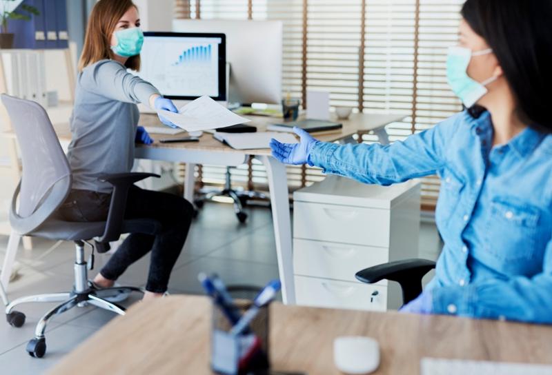 Her 100 çalışandan 72'si virüs konusunda endişeli