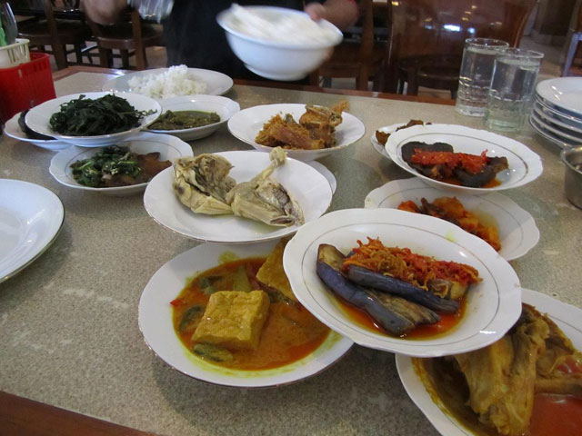 Simpang Raya Sea Food Merak