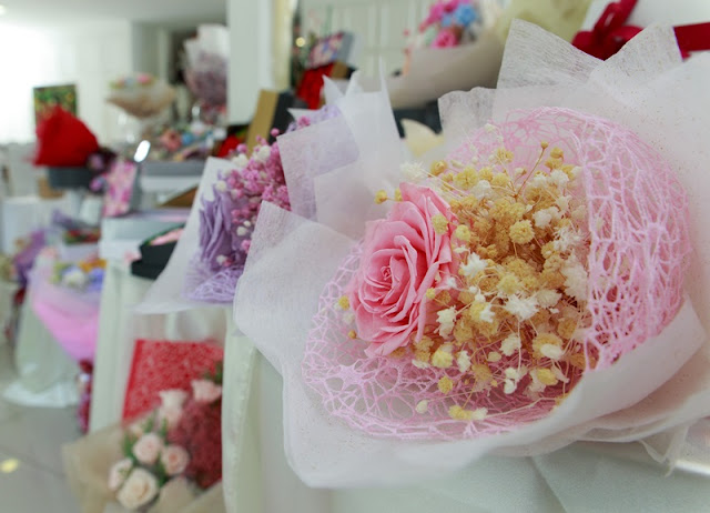 LavieFlo, Pour Toujours, LavieFlo 2016 Valentine Collection, Valentine Gift Ideas, Valentine, real preserved flowers, preserved flowers, experiential box, design my own flower box, diy valentine flower, lavieflo, lavieflo ss2