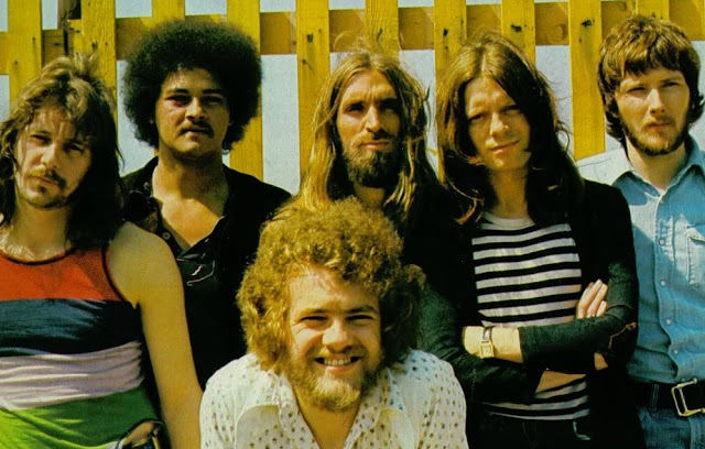 Un Clásico: Stealers Wheel - Stuck In The Middle With You