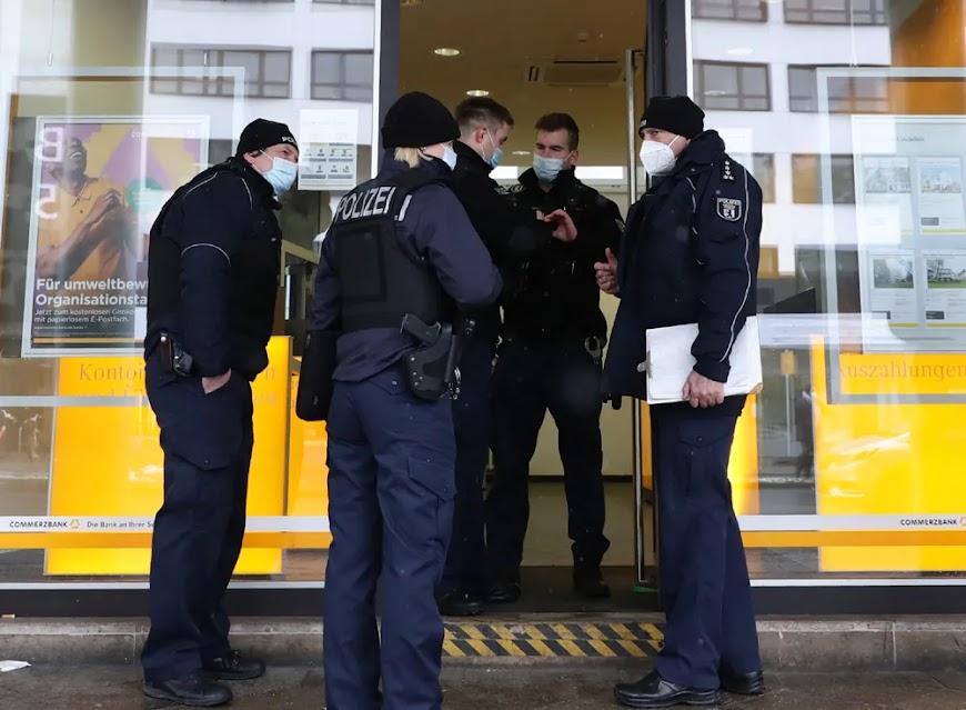 Γερμανοί αστυνομικοί σε ρόλο «γκαουλάιτερ» στα ελληνικά αεροδρόμια