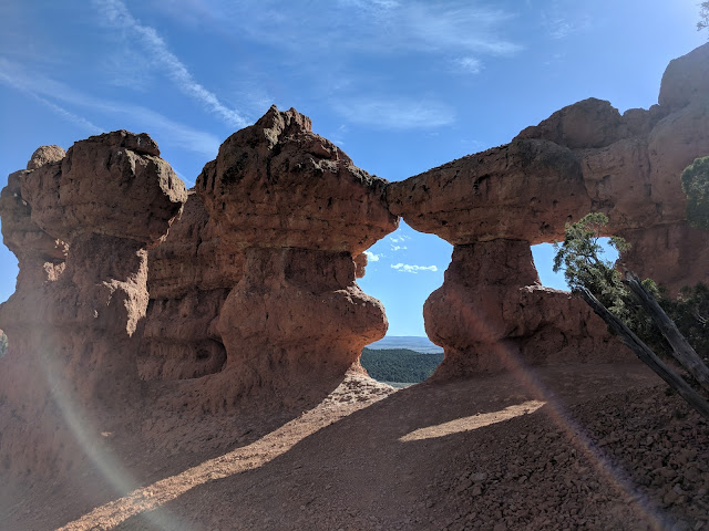 Cool Rock Figurines and Arch in Arches Hike in Bryce Canyon