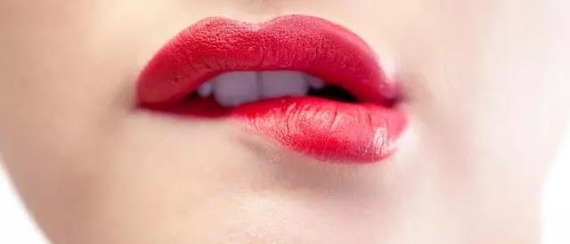 10 Tips Memiliki Bibir Merah Muda Secara Alami + Makanan Untuk Dikonsumsi