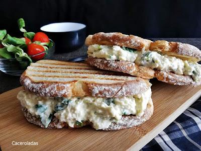 Receta de sándwich de pollo y huevo