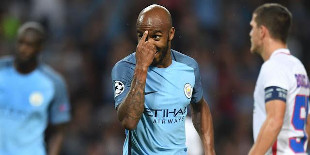 Stoke ingin Beli Delph dari Manchester City