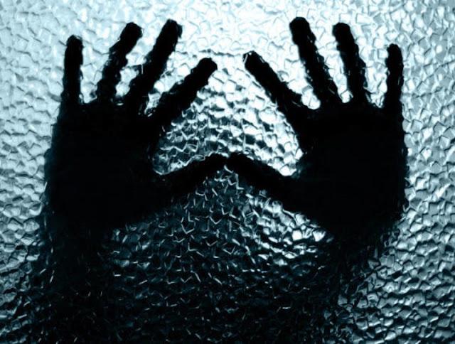 """Σύγχρονο «Κωσταλέξι» στη Ρόδο: Διεμφυλική ήταν """"φυλακισμένη"""" επί 10 χρόνια σε τρώγλη  (βίντεο)"""