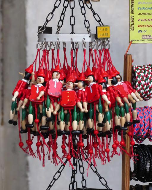 A bunch of plastic Pinocchios, Galleria degli Uffizi, Uffizi Gallery, Florence