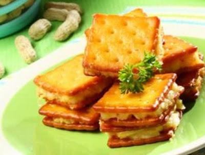 Resep dan Cara Membuat Cracker Goreng Kornet Lezat