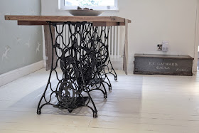 Singer sewing machine dinging table