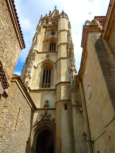 La Catedral del Oviedo desde una silla de ruedas