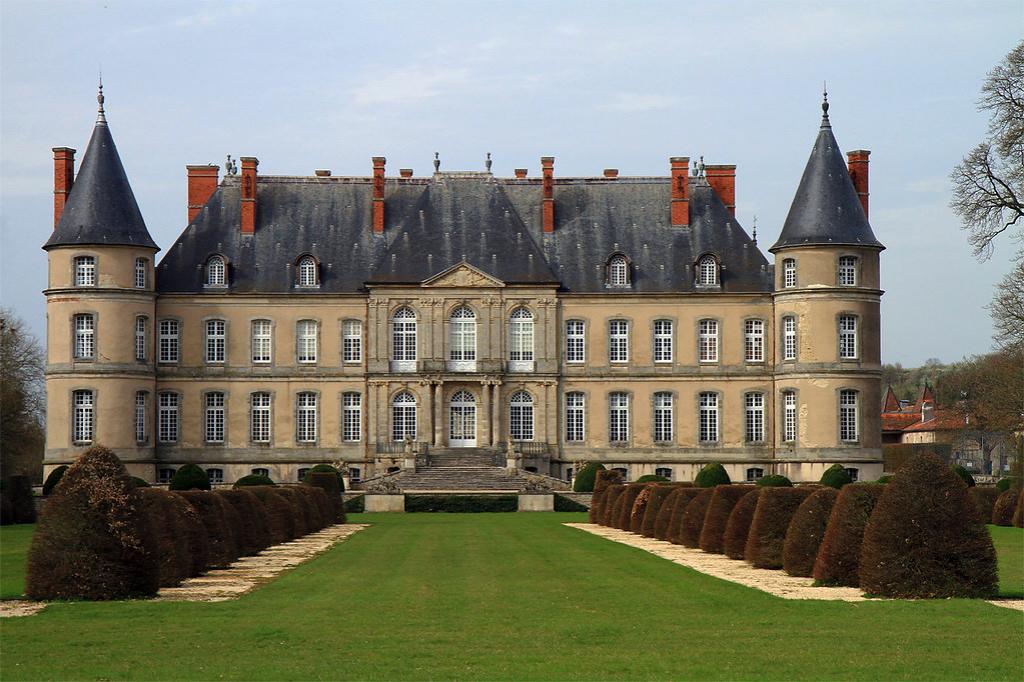 Art & Antiques | Timeless Paris: Sotheby's France & Le Marché aux Puces de Saint-Ouen