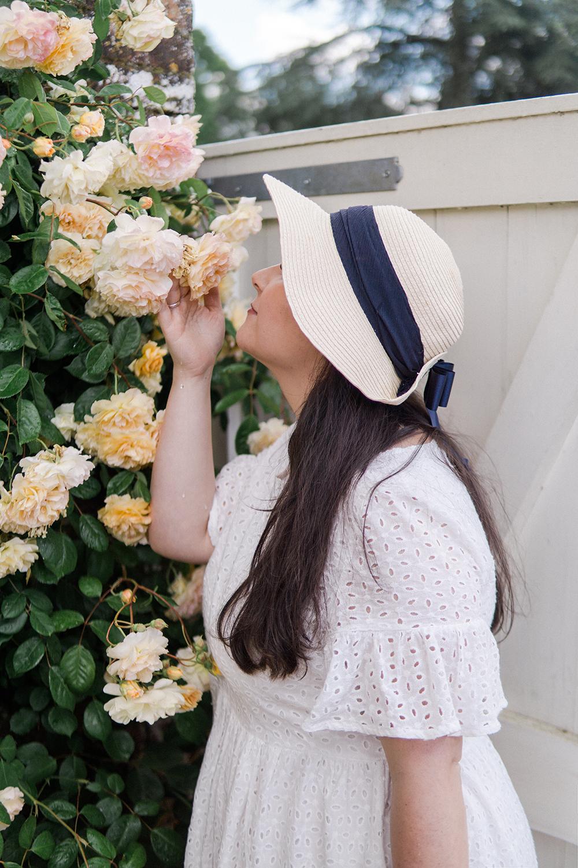 broderie-dress-ootd-Mottisfont-rose-garden