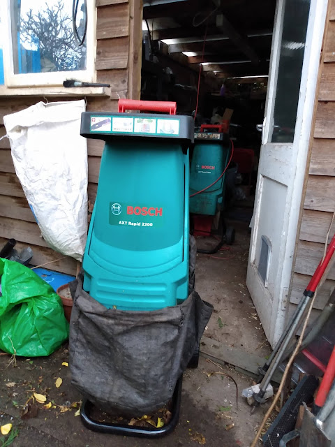 Composting, green waste, shredding