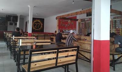 Tempat Cangkruk Enak di Kedai Jun Coffee 27, Benowo