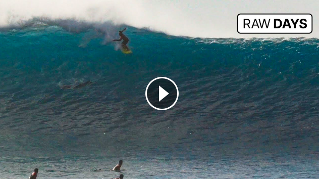 RAW DAYS Pipeline North Shore Hawaii Big waves during the New Year holidays