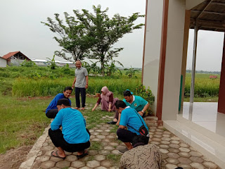 Penyuluh Agama Islam Kecamatan Jatiwangi gelar Jum'at bersih di masjid Al Imam Andir