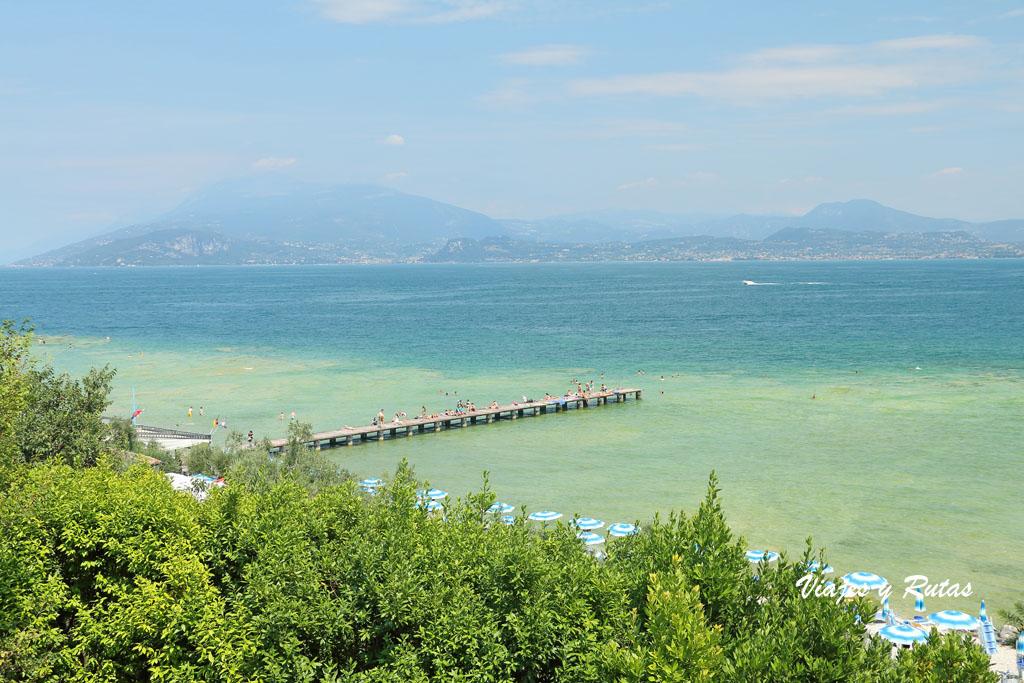 Lago di Garda desde Sirmione, Italia