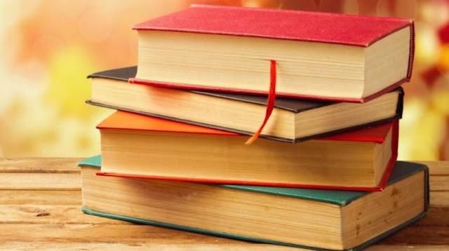 Έμπειρη καθηγήτρια παραδίδει φιλολογικά μαθήματα σε μαθητές Γυμνασίου