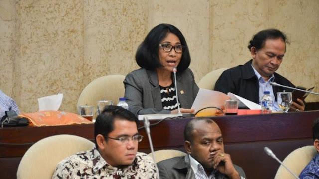 DPR Bahas SK Pengangkatan Guru Honorer Menjadi PNS Berdasarkan Usulan Sekolah, Berikut Info Selengkapnya …..