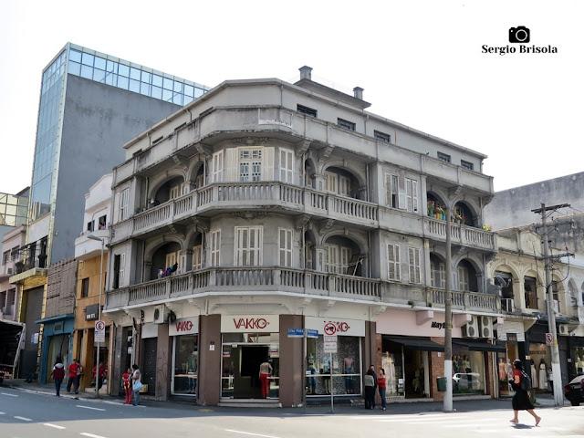 Vista ampla de um Residencial antigo na Rua Silva Pinto com Rua dos Italianos - Bom Retiro - São Paulo