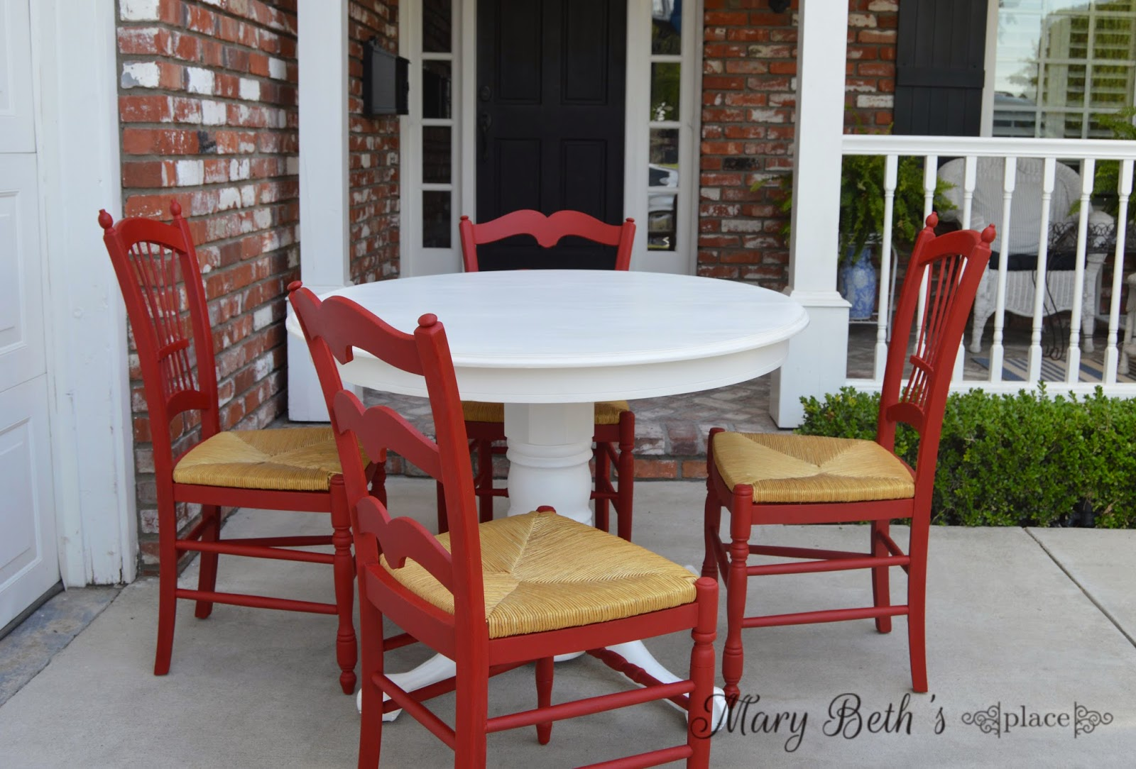 Mary Beth\'s Place: College Apartment Furniture Rescue