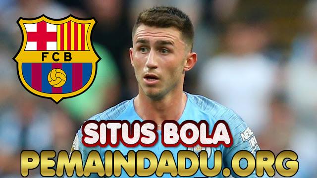 Klub Barcelona Siapkan Langkah Rekrut Bek Manchester City
