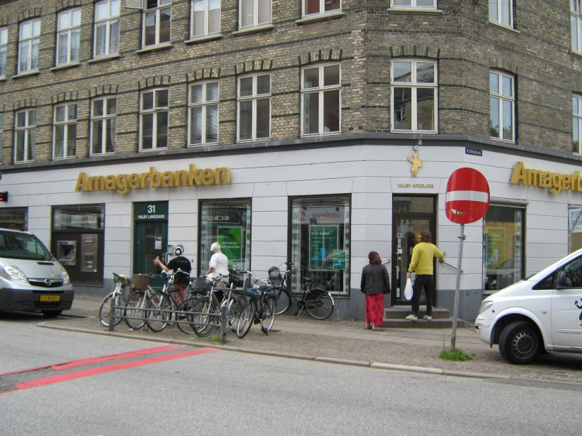 Lån og Spar Bank åbner Valby Langgade i Amagerbankens gamle lokaler 30. januar 2012