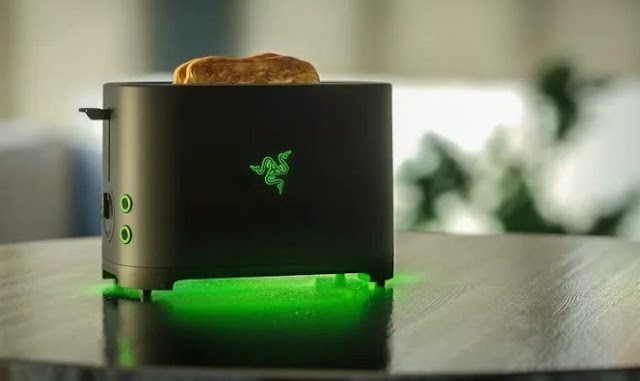 Razer Serius Membuat Pemanggang Roti - Razer Toaster