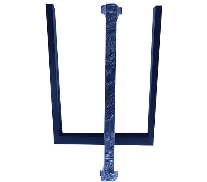 Chân bàn sắt hình chữ nhật màu đen (2 thanh ngang liên kết trên, không có giằng bên dưới nhưng bảo đảm chắc chắn)