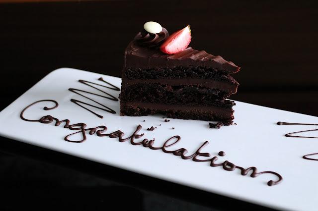 chocolate cake, wedding cake,
