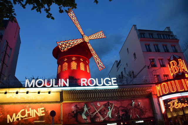 Moulin Rouge | Best of Paris in evening