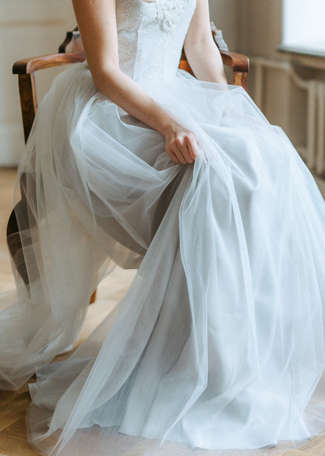 Dove grey wedding dress | Luiza Smirnova