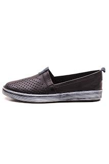 bayan siyah ayakkabı