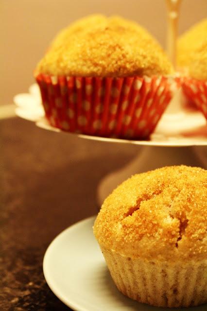 Muffins de canela e noz moscada recheados com Nutella