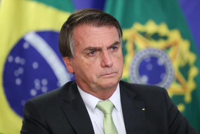 Presidente Bolsonaro é internado com dores abdominais em Brasília