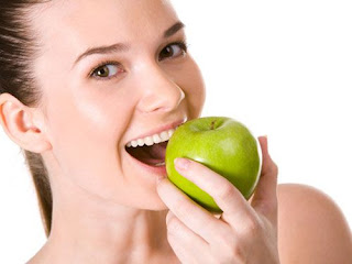 Nên ăn gì sau khi trám răng?