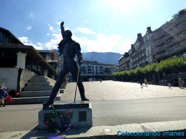 Un paseo turístico por Montreux - estatua de Freddie Mercury
