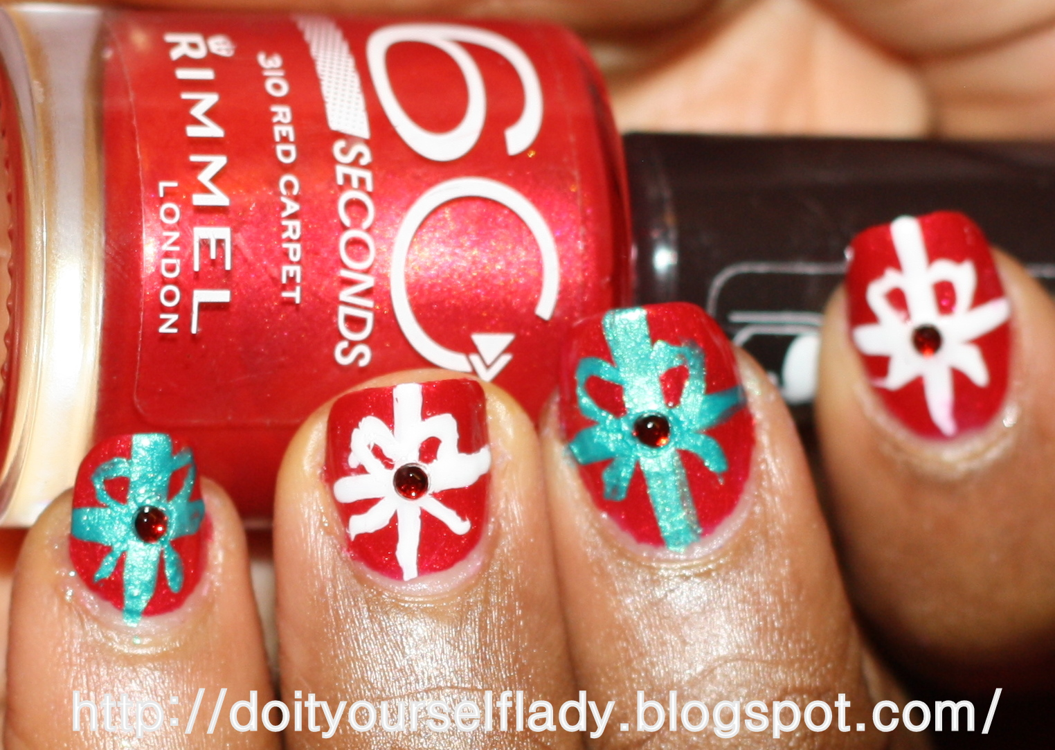 The Do It Yourself Lady: Christmas nails: Gift wrapping
