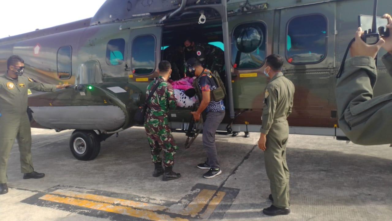 TNI Evakuasi Korban Penembakan Kelompok Separatis Bersenjata  Ke Jakarta