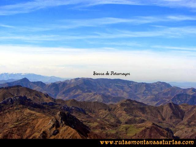 Ruta Pico Vízcares: Desde la cima del Vízcares, vista de la sierra de Peñamayor