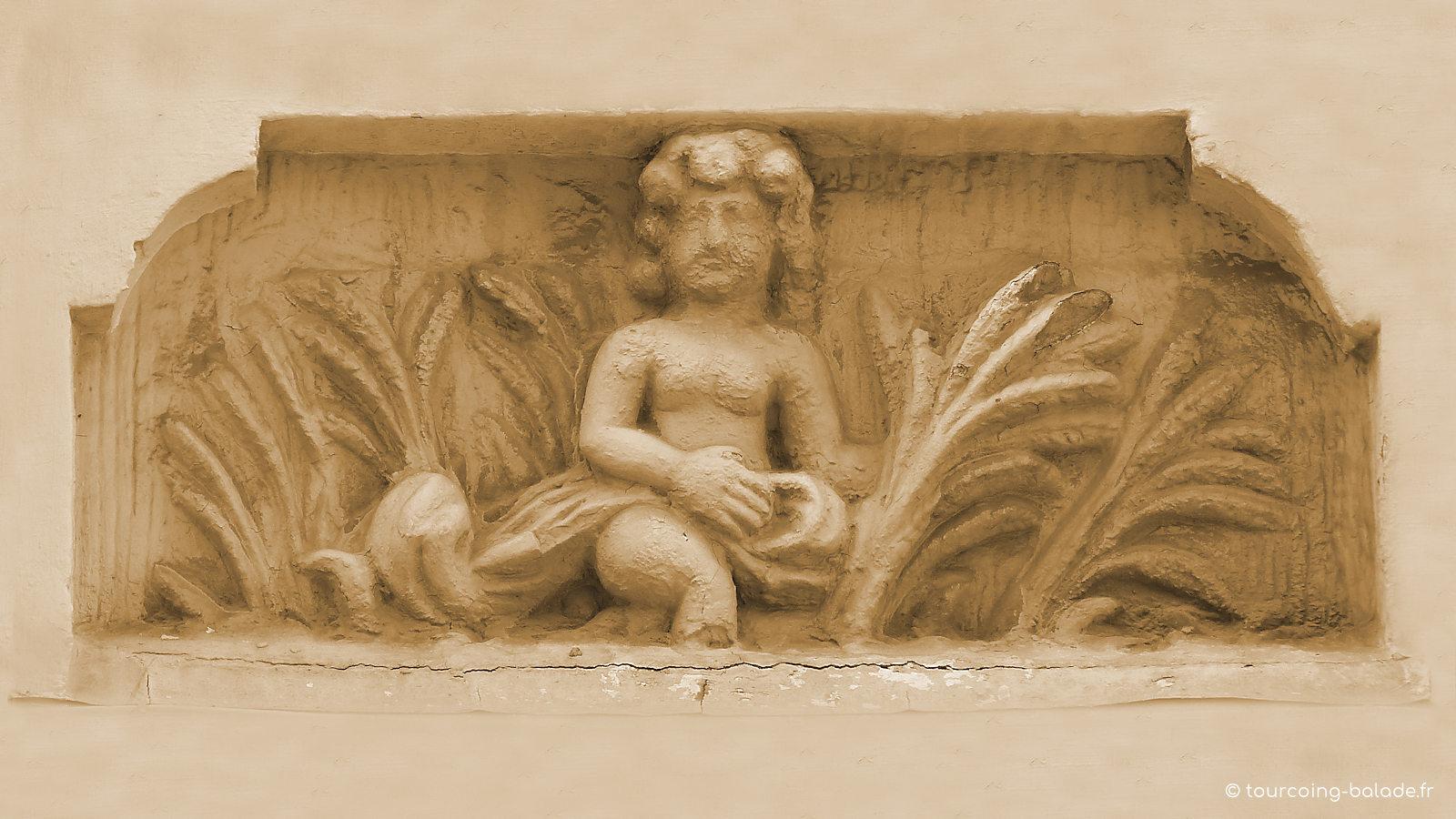 Maison des Quatre Saisons, niche 2 - Tourcoing Grand Place.