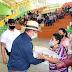 REGIONALES / GOBERNADOR DA LA MANO A LOS NECESITADOS