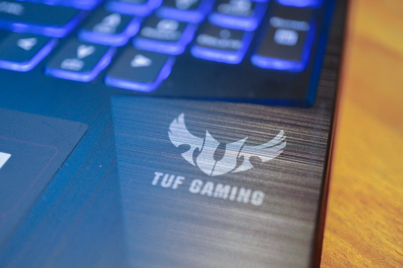 Review Asus TUF Gaming FX505DY R5697T