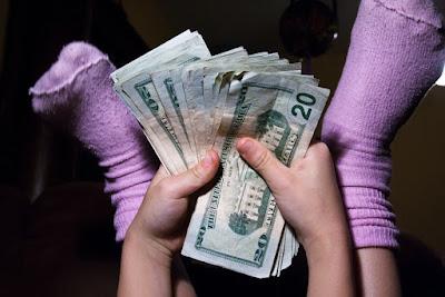 SIMPLE WAYS TO TEACH YOUR CHILDREN (Money Management Skills)