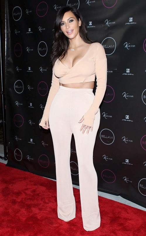 Kim Kardashian Flashes Major Cleavage In First Red Carpet