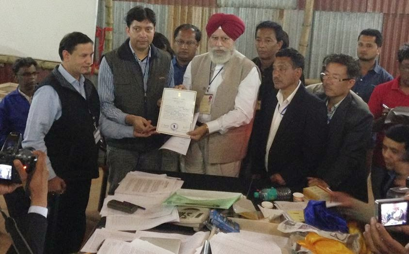 Shri SS Ahluwalia polled a total of 488257 Votes defeating TMC Baichung Bhutia with a margin of 197239 Votes