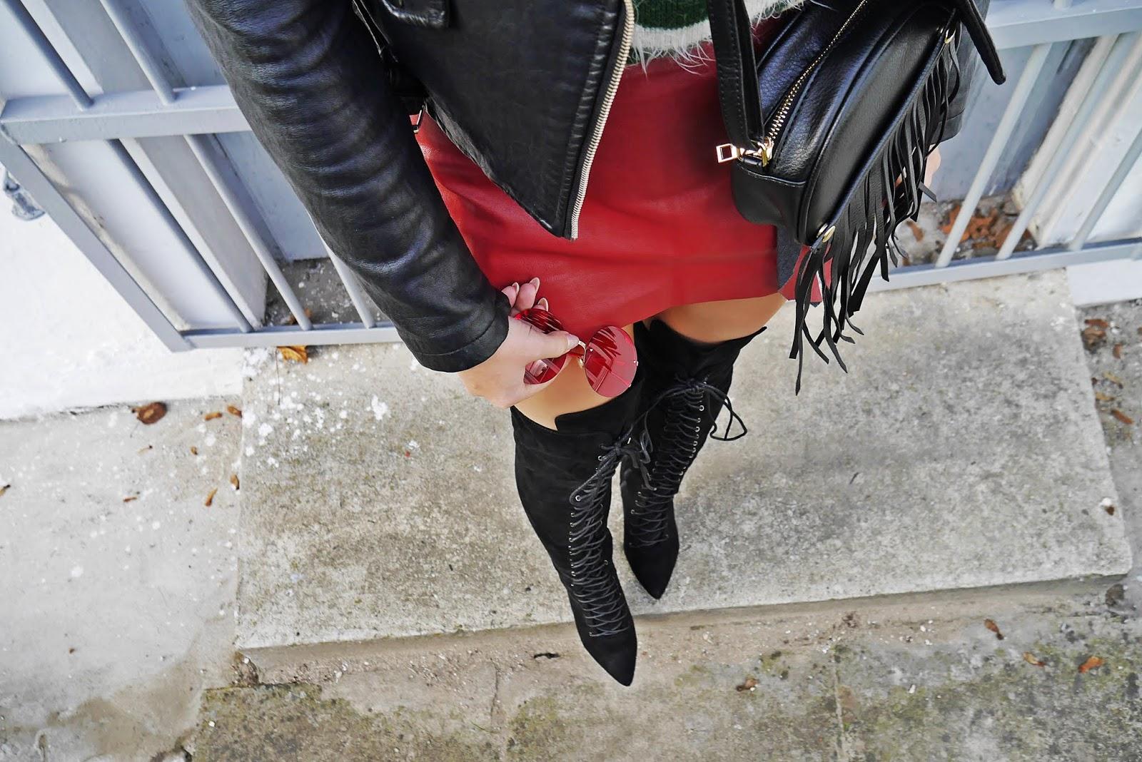 Sweterek świąteczny spódnica skórzana bordowa kozaki za kolano renee czarna ramoneska karyn blog modowy blogerka modowa puławy