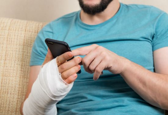 social media tips personal injury victims during legal case posting